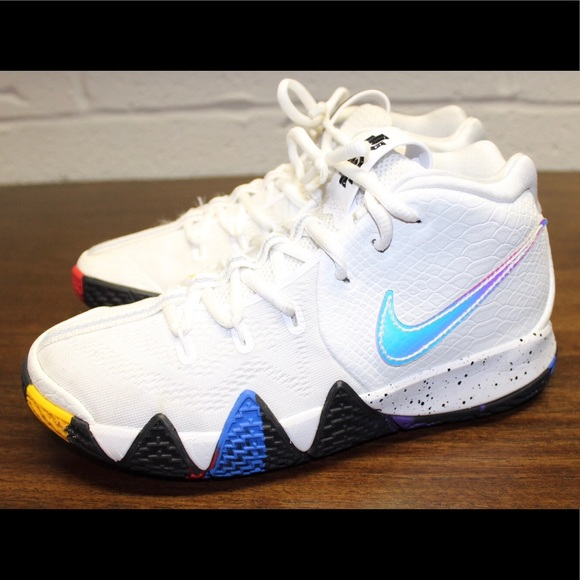 best cheap 32f29 80830 Nike Kyrie 4 NCAA March Madness Sneakers 5.5. M 5c323f467386bc4f583c24eb
